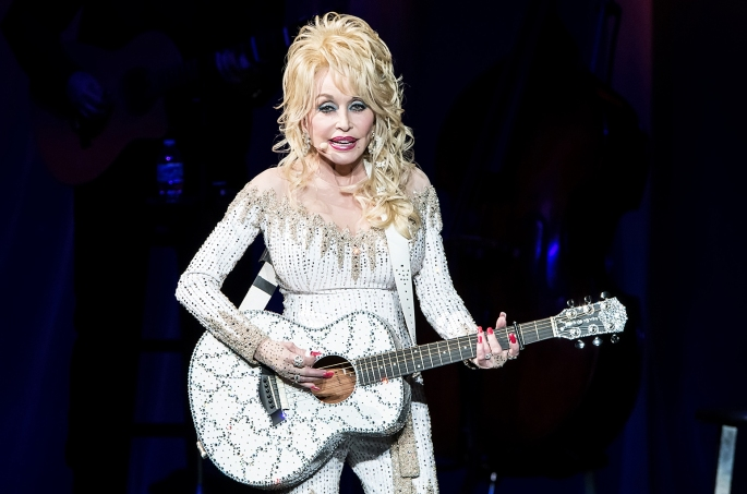 Dolly-Parton-philadelphia-june-2016-billboard-1548